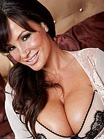 Lisa Ann spreads then rubs and strech her pussy from Twisty's